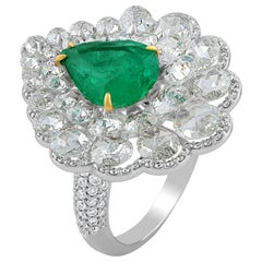 Studio Rêves Diamond and Emerald Cluster Ring in 18 Karat Gold