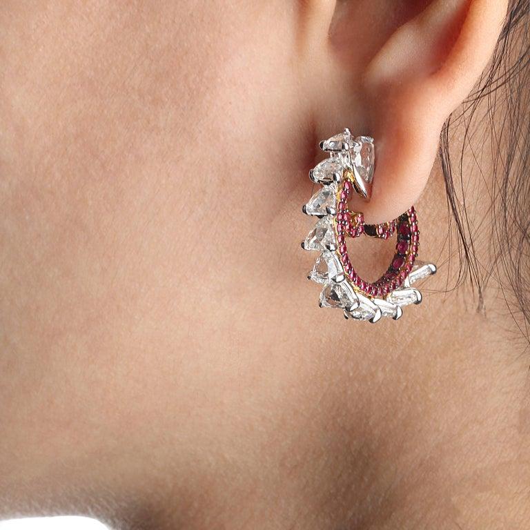 Contemporary Studio Rêves Diamond and Ruby Hoop Earrings in 18 Karat Gold For Sale
