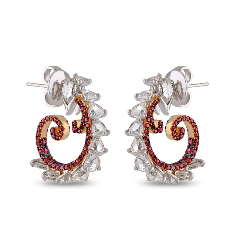 Studio Rêves Diamond and Ruby Hoop Earrings in 18 Karat Gold In New Condition For Sale In Mumbai, Maharashtra