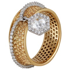 Studio Rêves Diamond and Yellow Sapphire Band Ring in 18 Karat Gold
