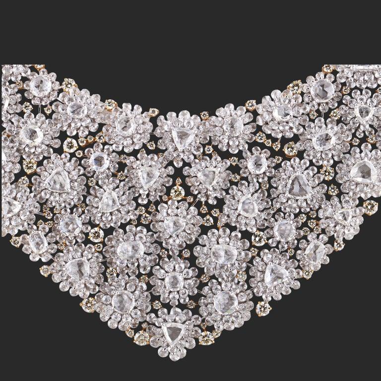 Studio Rêves Diamond Floral Carpet Necklace in 18 Karat Gold In New Condition For Sale In Mumbai, Maharashtra