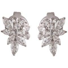 Studio Rêves Diamond Snowflakes Stud Earrings in 18 Karat White Gold