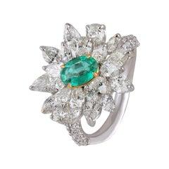 Studio Rêves Diamonds and Emerald Cluster Ring in 18 Karat Gold