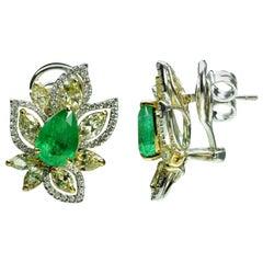 Studio Rêves Diamonds and Emeralds Floral Stud Earrings in 18 Karat Gold
