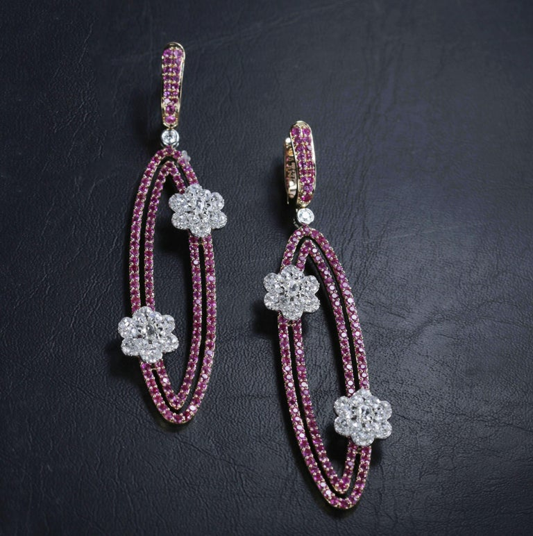 Studio Rêves Diamonds and Pink Sapphire Oval Dangling Earrings in 18 Karat Gold In New Condition For Sale In Mumbai, Maharashtra