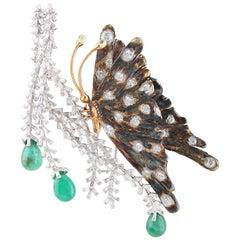Studio Rêves Diamonds Butterfly Brooch in 18 Karat Gold