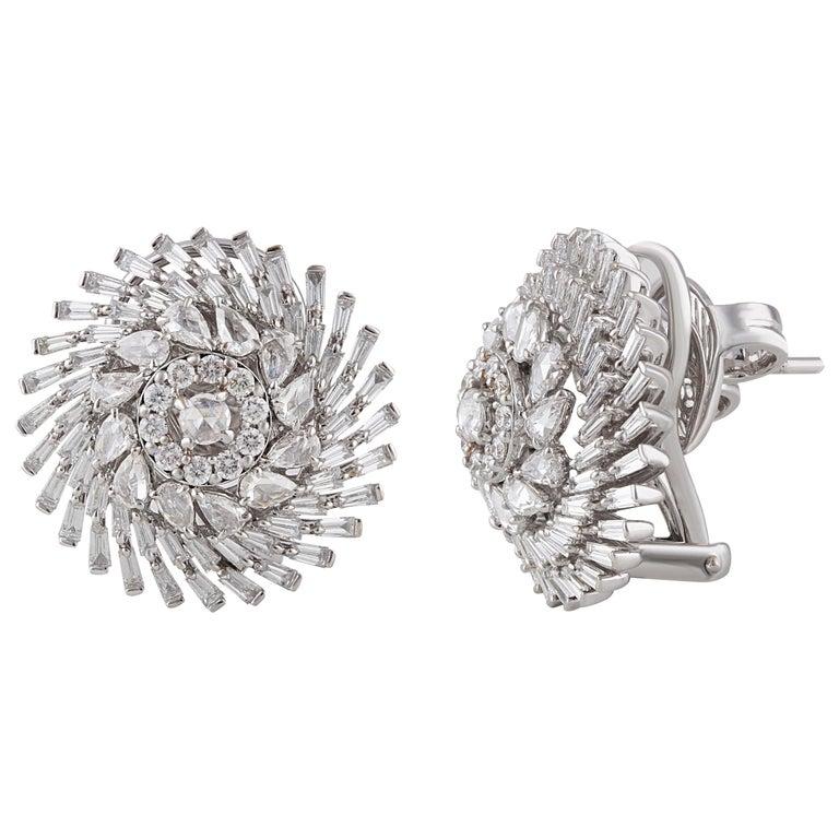 Baguette Cut Studio Rêves Diamonds Snowflakes Stud Earrings in 18 Karat Gold For Sale