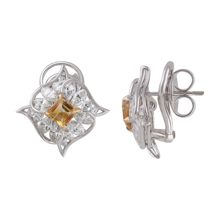 Studio Rêves Edgy Diamond and Citrine Stud Earrings in 18 Karat Gold For Sale