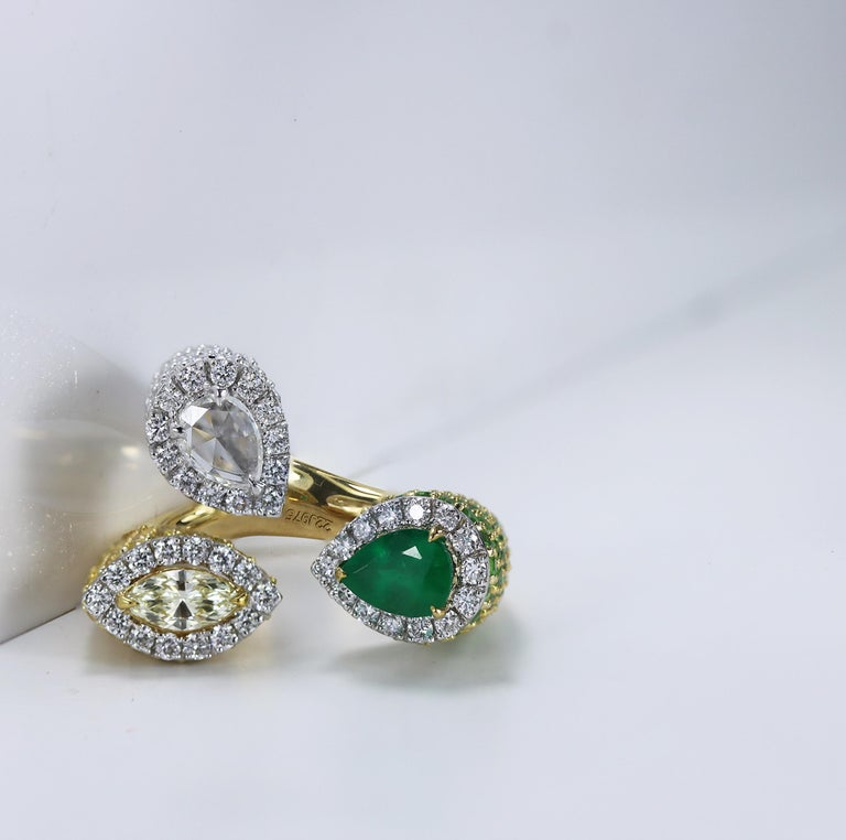 Studio Rêves Emerald and Diamond Claw Cocktail Ring in 18 Karat Gold For Sale 4