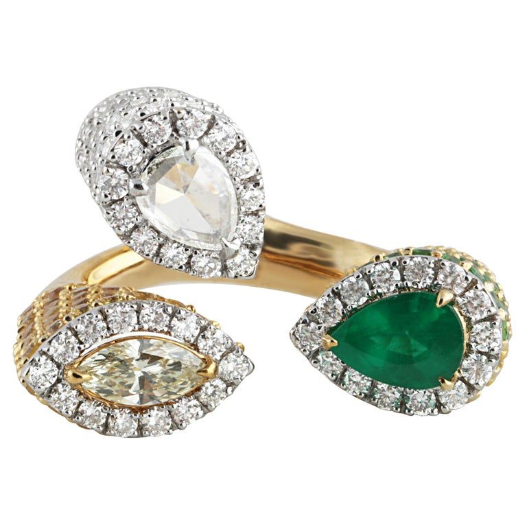 Studio Rêves Emerald and Diamond Claw Cocktail Ring in 18 Karat Gold For Sale 1