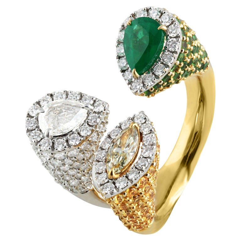 Studio Rêves Emerald and Diamond Claw Cocktail Ring in 18 Karat Gold For Sale