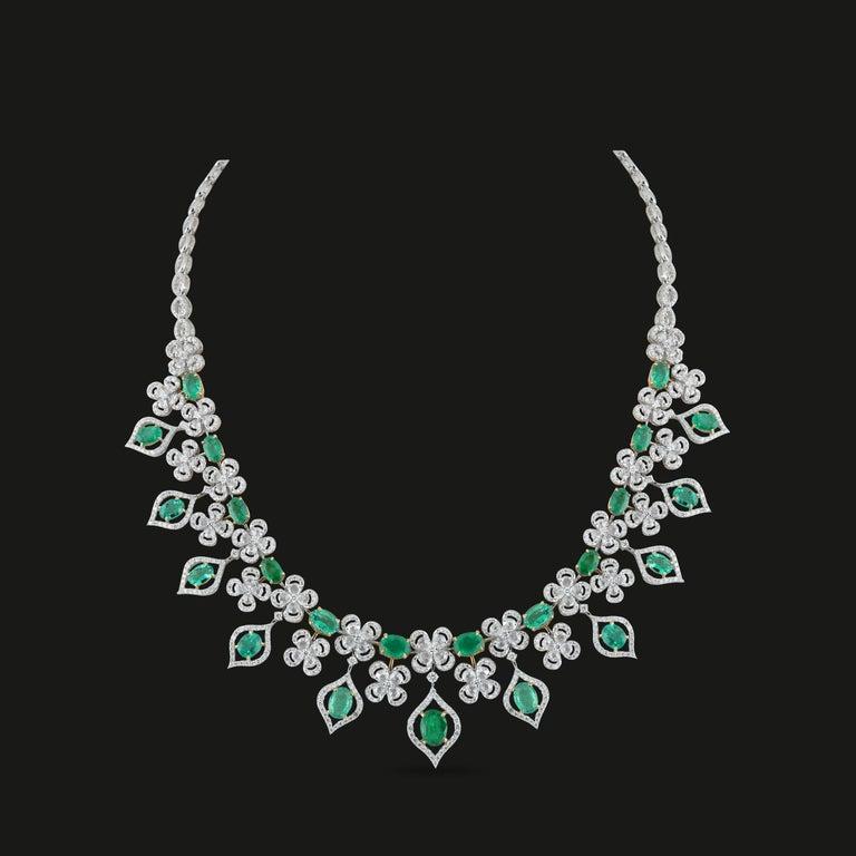 Women's Studio Rêves Emerald and Diamonds Necklace in 18 Karat Gold For Sale
