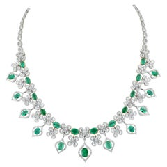 Studio Rêves Emerald and Diamonds Necklace in 18 Karat Gold