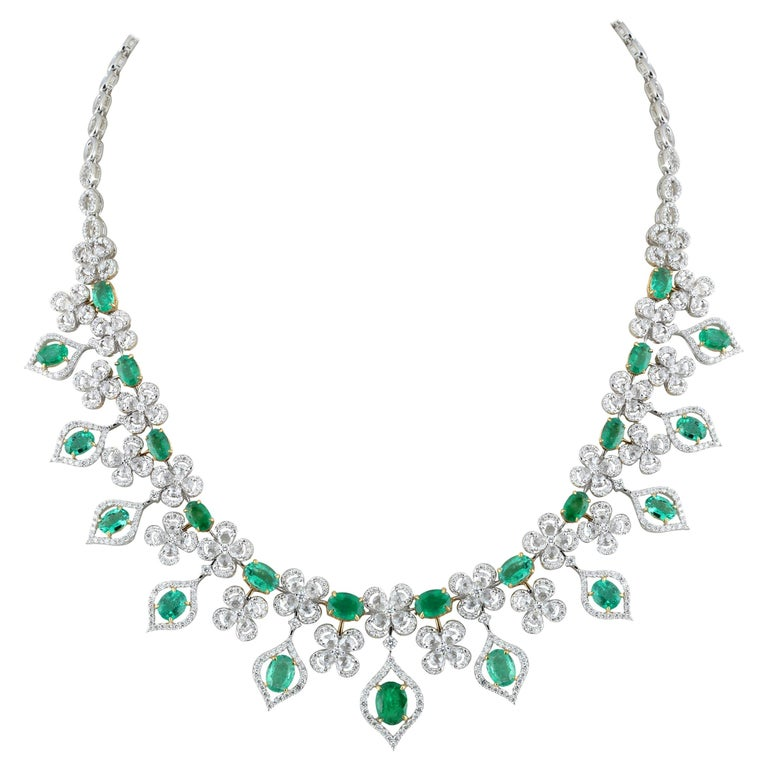 Studio Rêves Emerald and Diamonds Necklace in 18 Karat Gold For Sale
