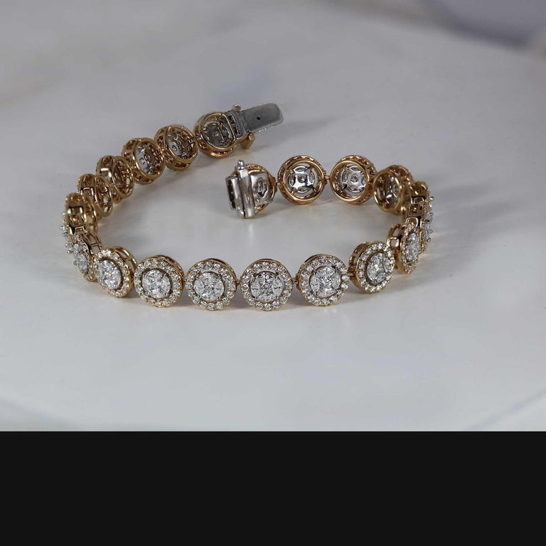 Studio Rêves Mosaic Marquise Diamond Tennis Bracelet in 18 Karat Gold In New Condition For Sale In Mumbai, Maharashtra