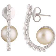 Studio Rêves Pear Diamond and Pearl Stud Earrings in 18 Karat White Gold
