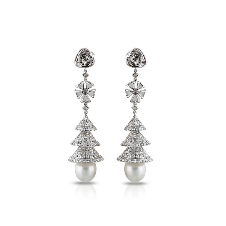 Studio Rêves Rose Cut Diamonds Chandelier Earrings in 18 Karat White Gold In New Condition In Mumbai, Maharashtra