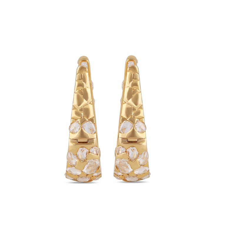 Studio Rêves Rosecut Diamond Hoop Earrings in 18 Karat Yellow Gold In New Condition For Sale In Mumbai, Maharashtra