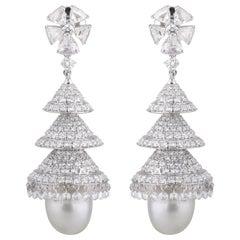Studio Rêves Rosecut Diamonds and Pearl Chandelier Earrings in 18 Karat Gold