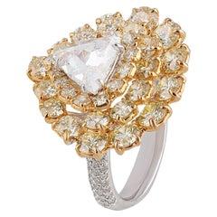 Studio Rêves Spiraling Diamond Ring in 18 Karat Gold