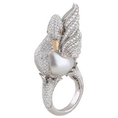 Studio Rêves Swan Cocktail Ring in 18 Karat Gold with Diamonds and Pearl