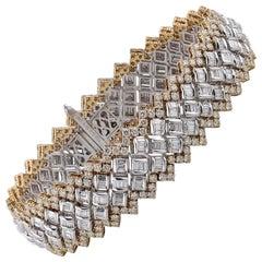 Studio Rêves Zig-Zag Diamond Tennis Bracelet in 18 Karat Gold
