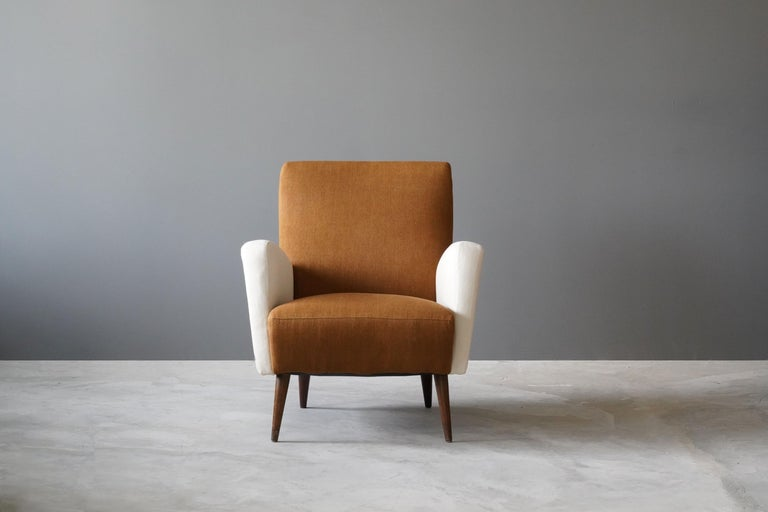 Mid-Century Modern Studio Tecnico Cassina, Lounge Chair, Walnut, Fabric, Italy, 1950s For Sale