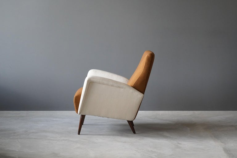 Italian Studio Tecnico Cassina, Lounge Chair, Walnut, Fabric, Italy, 1950s For Sale
