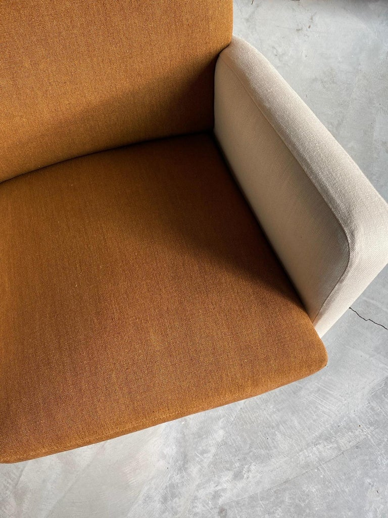 Mid-20th Century Studio Tecnico Cassina, Lounge Chair, Walnut, Fabric, Italy, 1950s For Sale