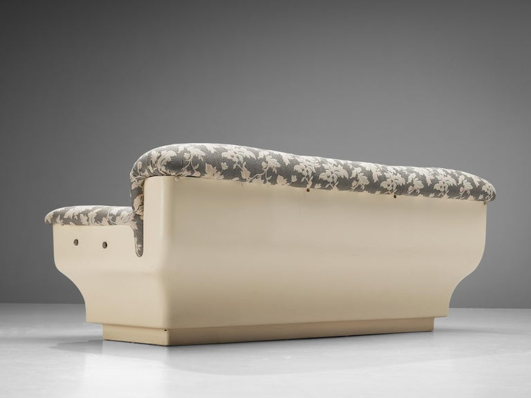 Mid-Century Modern Studio Tecnico for Mobilquattro 'Delta 699' Sofa in Floral Upholstery For Sale