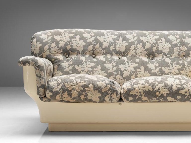 Italian Studio Tecnico for Mobilquattro 'Delta 699' Sofa in Floral Upholstery For Sale