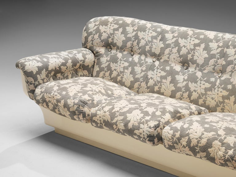 Fabric Studio Tecnico for Mobilquattro 'Delta 699' Sofa in Floral Upholstery For Sale