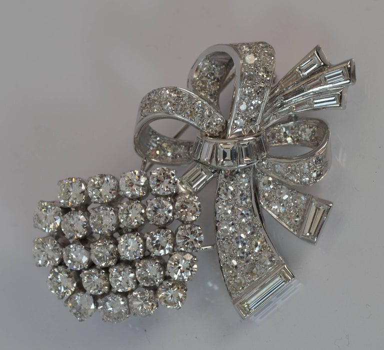 Stunning 10 Carat Diamond and 18 Carat White Gold Vintage Floral Spray Brooch For Sale 7