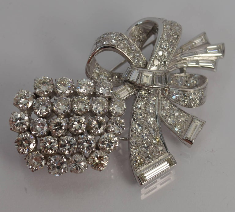 Stunning 10 Carat Diamond and 18 Carat White Gold Vintage Floral Spray Brooch In Excellent Condition For Sale In St Helens, GB