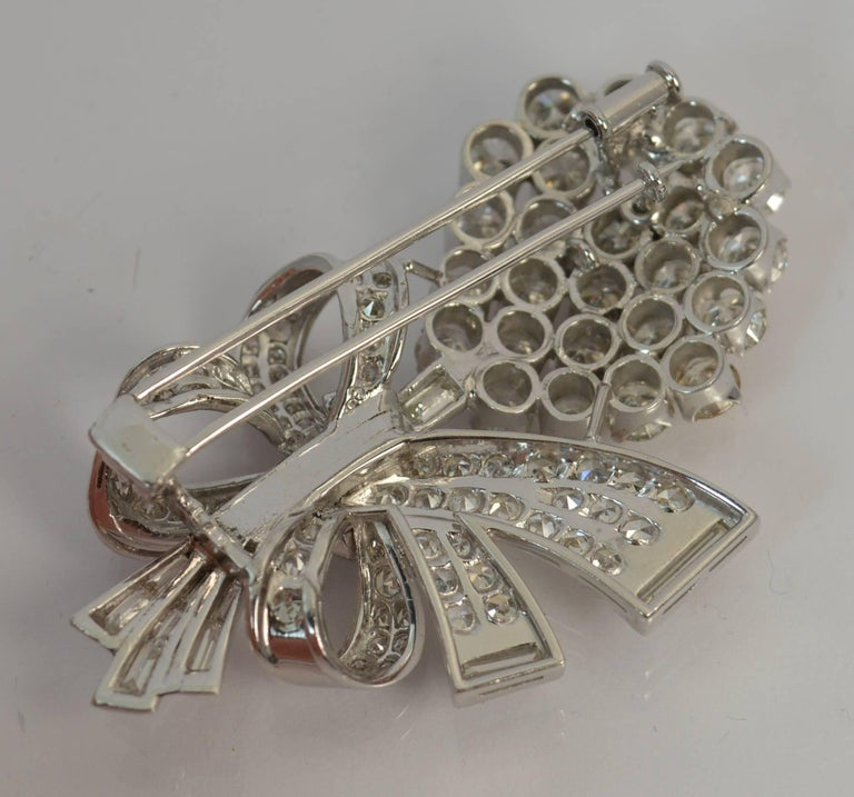 Stunning 10 Carat Diamond and 18 Carat White Gold Vintage Floral Spray Brooch For Sale 2