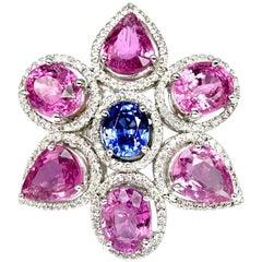 Stunning 18 Karat Gold Pink and Blue Sapphire Ring