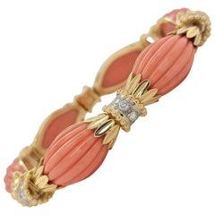 Stunning 18 Karat Yellow Gold Coral Diamond Bracelet Diamonds