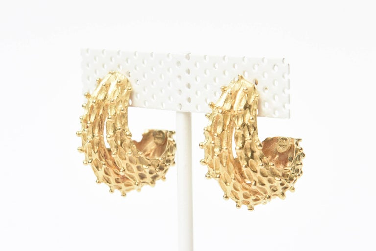 18 Karat Gold Italian Pierced Earrings Pair Of In Excellent Condition For Sale In North Miami, FL