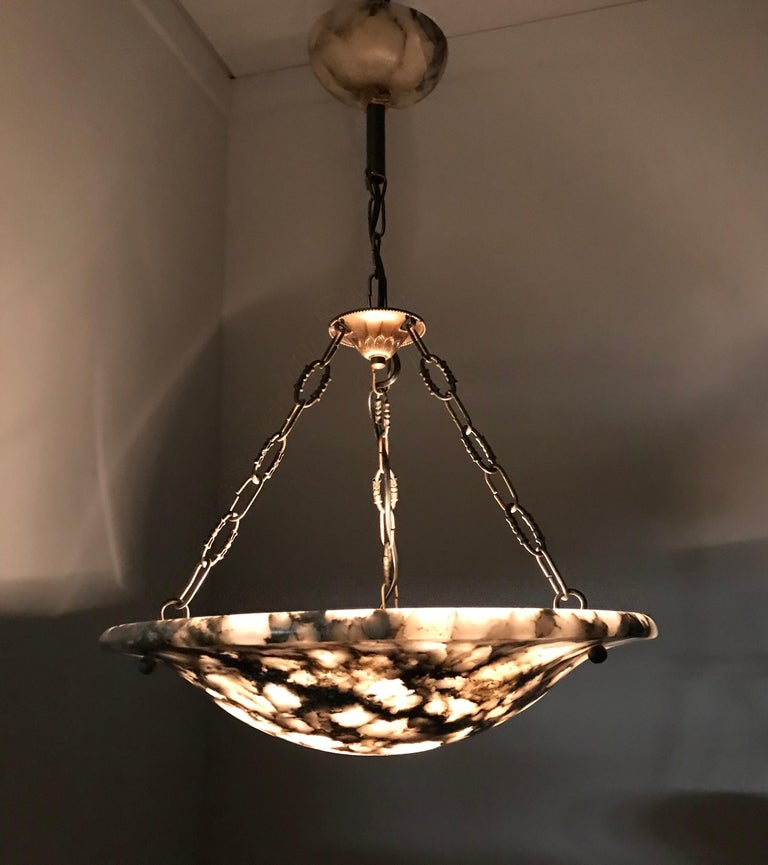 Stunning 1920s, French Art Deco White, Grey & Black Alabaster Pendant Chandelier In Good Condition For Sale In Lisse, NL