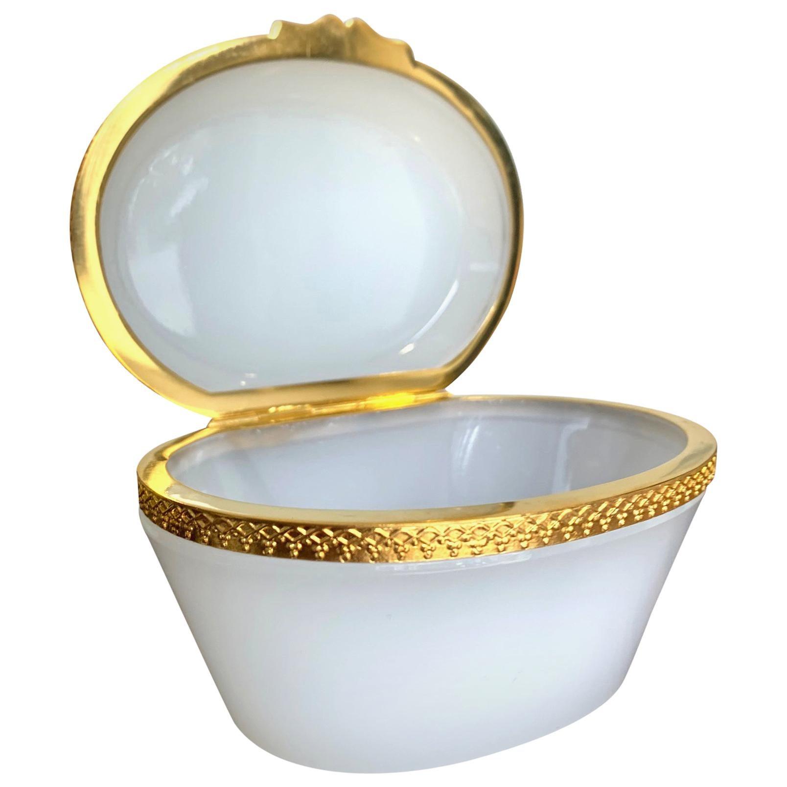 Stunning 1950s White Murano Glass Hinged Jewelry Box by Cendese Murano, Italy