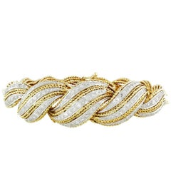 1960s 18 Karat Gold Flexible 4.00 Carat H/VS Diamond Bracelet Bangle Cuff