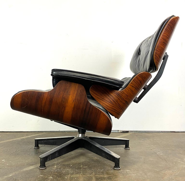 20th Century Stunning 1960s Herman Miller Eames Lounge Chair and Ottoman For Sale