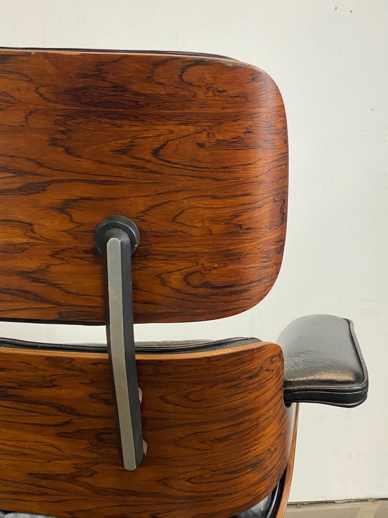 Leather Stunning 1960s Herman Miller Eames Lounge Chair and Ottoman For Sale