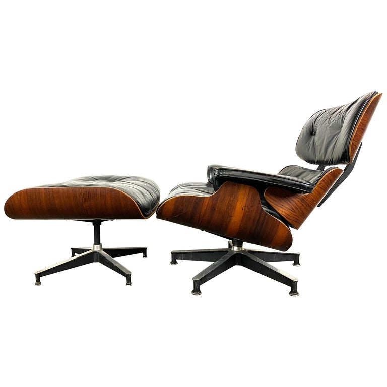 Stunning 1960s Herman Miller Eames Lounge Chair and Ottoman For Sale