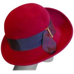 Stunning 1960s Vintage Magenta Felt Wool Cloche Hat,