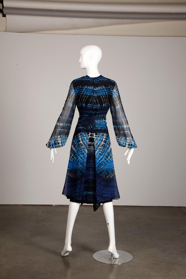 Stunning 1970s La Mendola Vintage Blue + Black Op Art Print Jersey Silk Dress For Sale 6