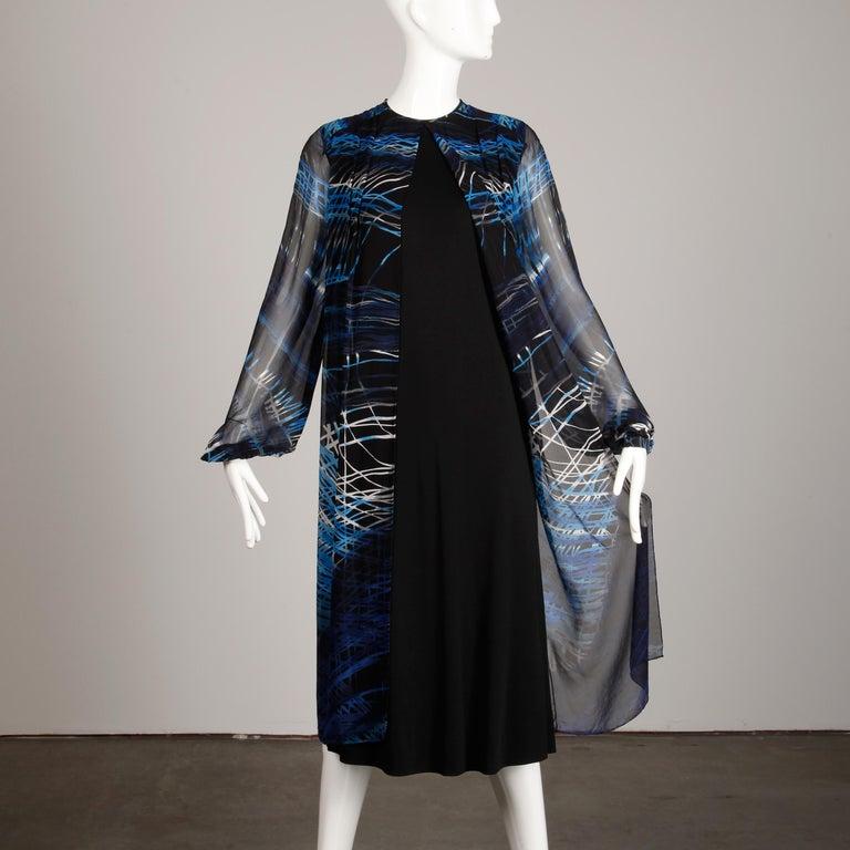 Stunning 1970s La Mendola Vintage Blue + Black Op Art Print Jersey Silk Dress For Sale 7