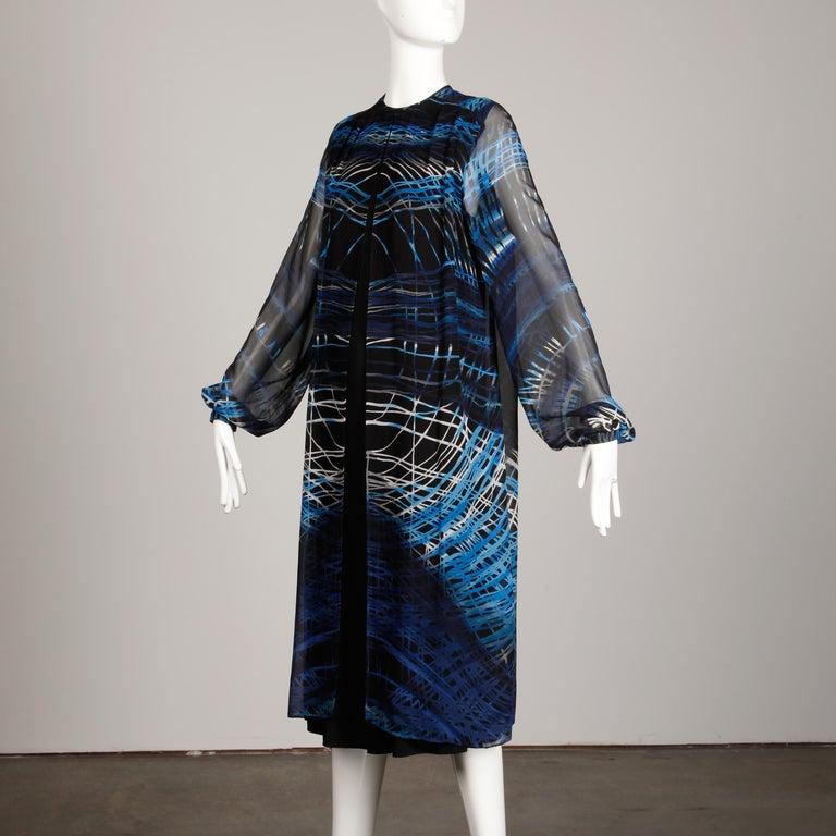 Stunning 1970s La Mendola Vintage Blue + Black Op Art Print Jersey Silk Dress For Sale 8