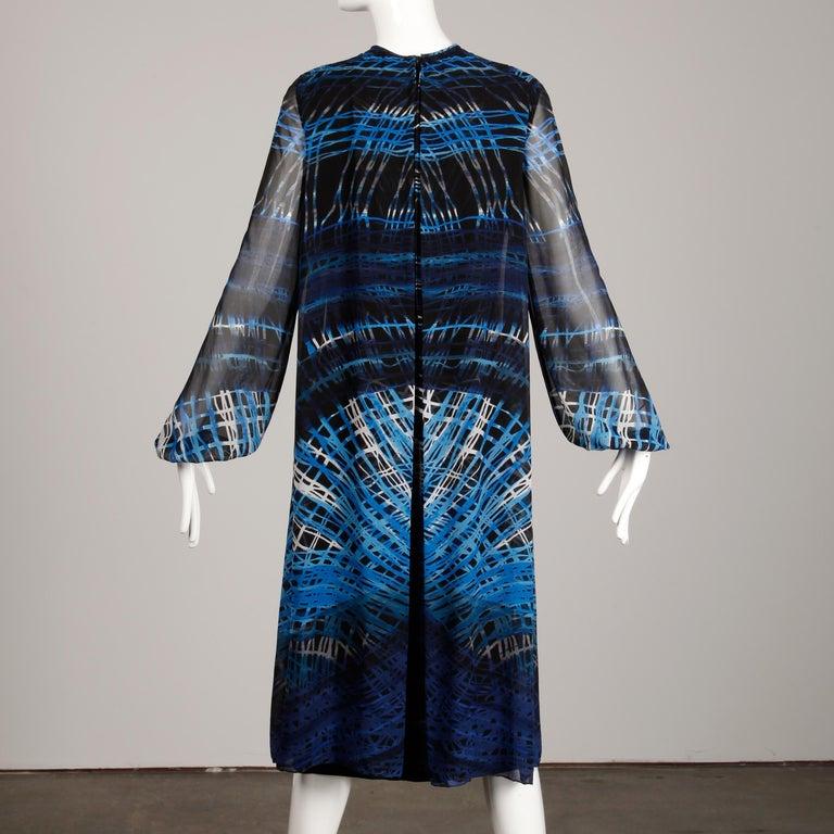 Stunning 1970s La Mendola Vintage Blue + Black Op Art Print Jersey Silk Dress For Sale 9