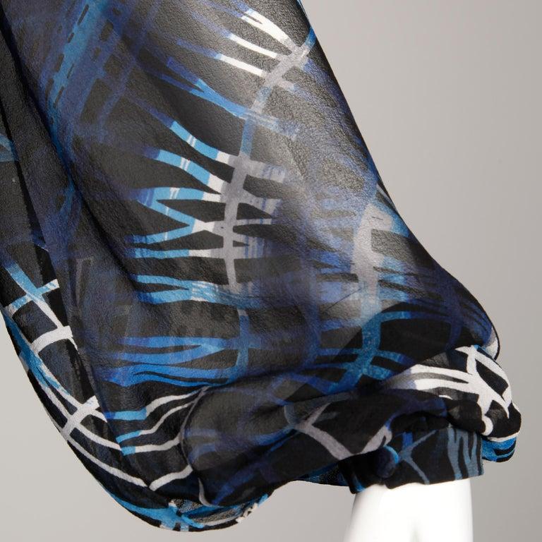 Stunning 1970s La Mendola Vintage Blue + Black Op Art Print Jersey Silk Dress For Sale 10